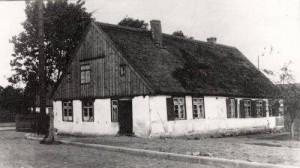 Budynek szkoły i poczty w gdyni, lata dwudzieste (Autor Nieznany)